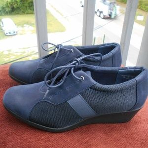 i Love Comfort Women's Lace Up Shoes Size 10M